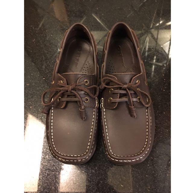 專櫃皮革帆船鞋(免運)