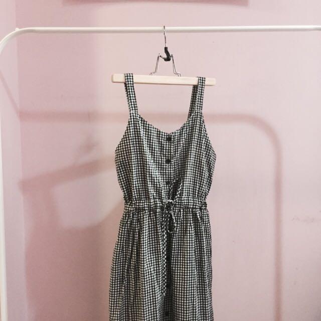 黑白格紋吊帶長洋裝