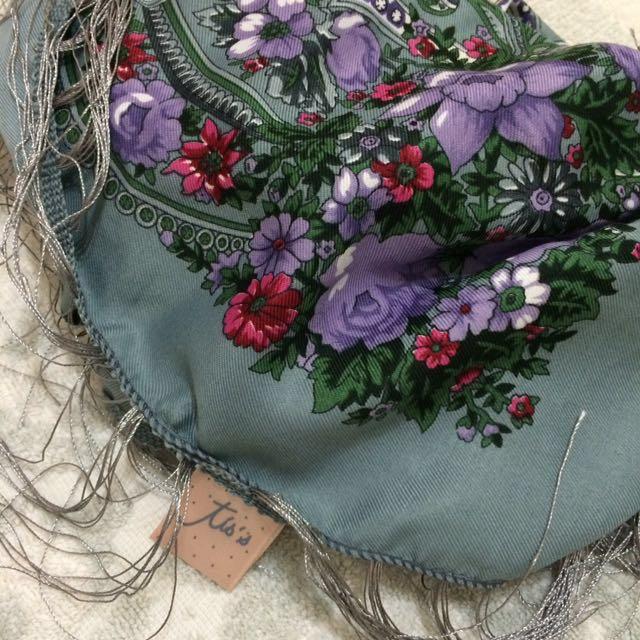 泰國帶回 紫灰色花朵方巾圍巾絲巾 稀有款釋出