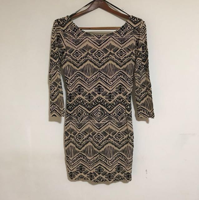 全新 Forever 21 L號 幾何 印花  民族風 波西米亞 貼身露背 七分袖 連身短裙 洋裝 棉質 含運