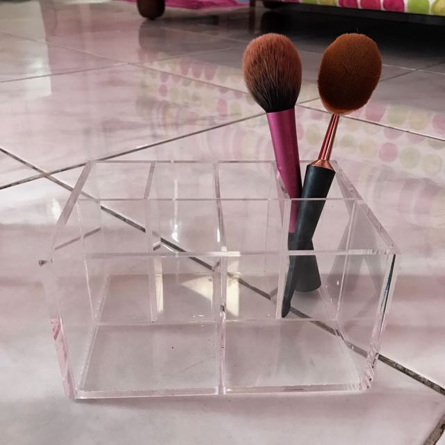 ACE MAKEUP BRUSH  Acrylic Storage