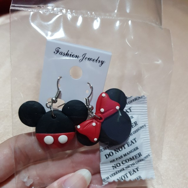 Anting gantung Mickey mouse