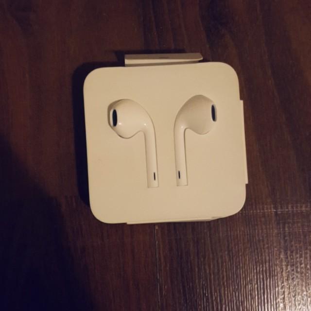 Apple Headphones With Lightning Jack