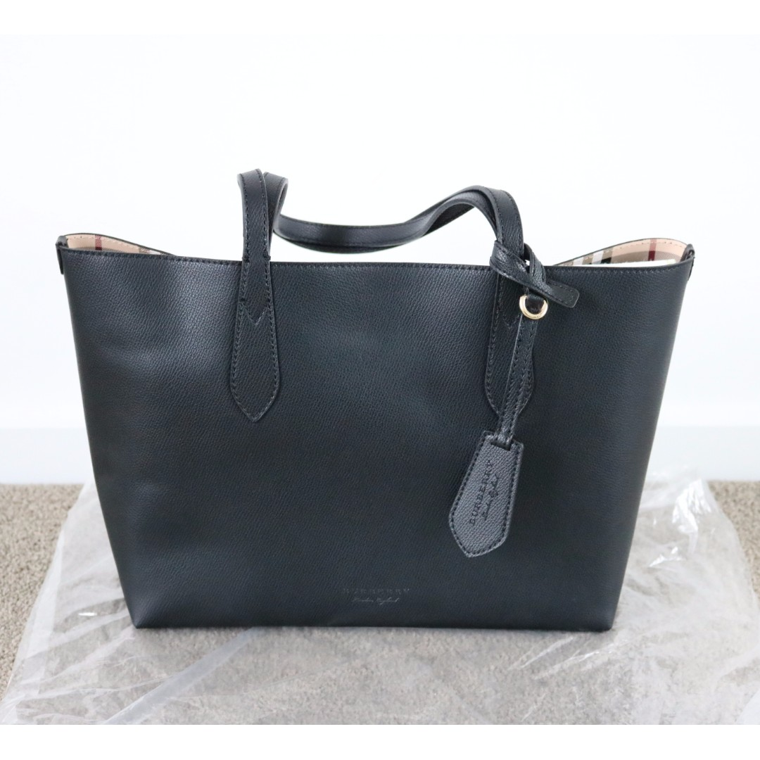 Authentic Burberry Small Reversible Tote in Haymarket Check and Leather