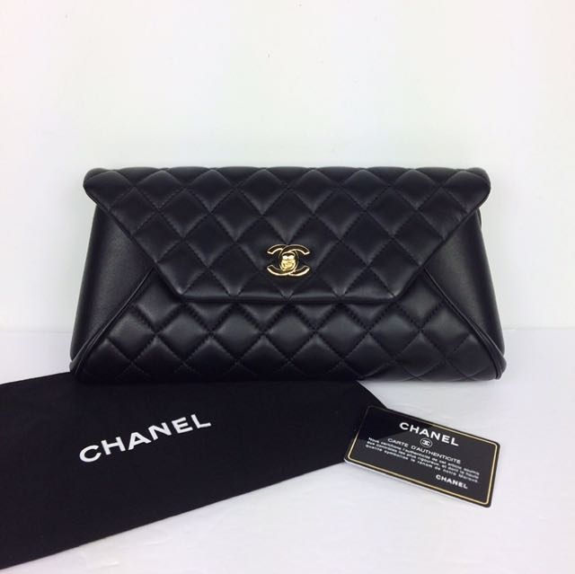 AUTHENTIC CHANEL CLASSIC CLUTCH