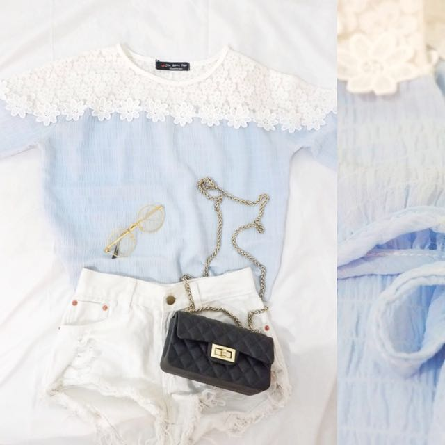 Baby blue flower top