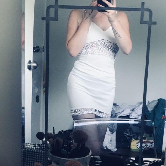 Beautiful white dress size small