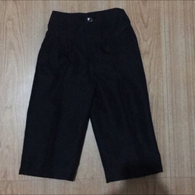 Black slacks for 2T