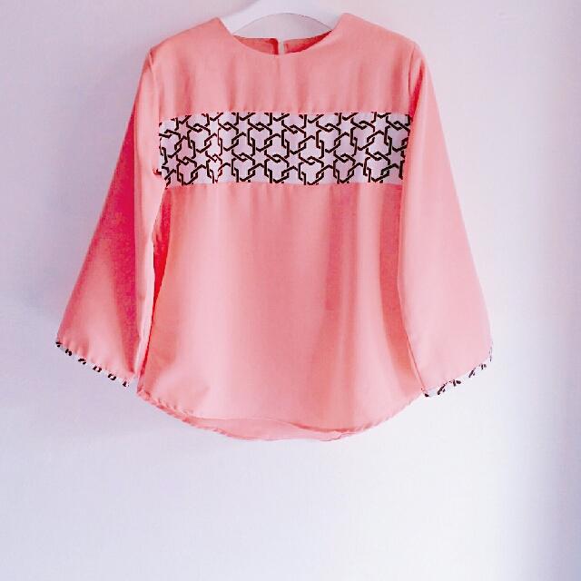 Blouse Baby Pink Geometris Motif