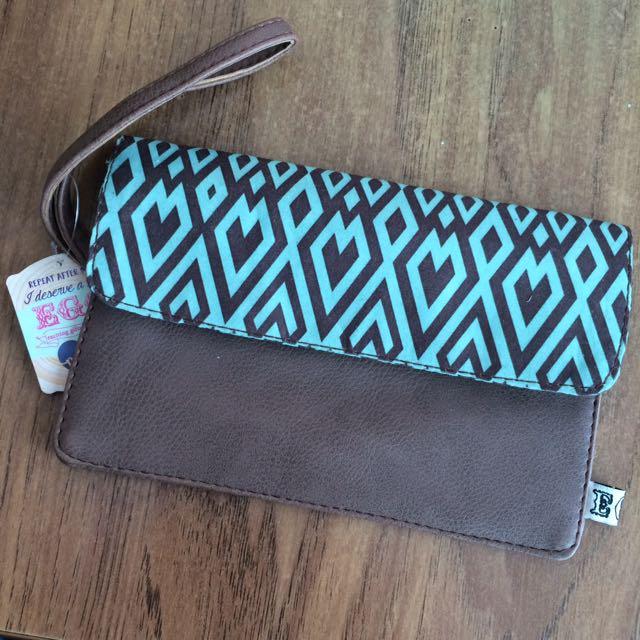 Cellphone pouch