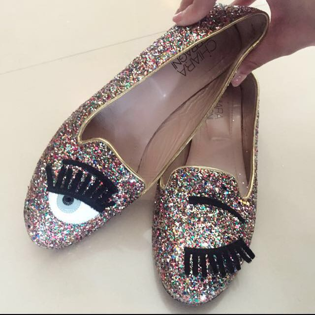 chiara ferragni flirting shoes