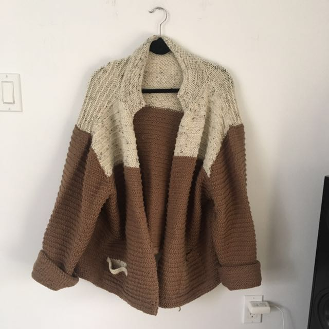 Cozy, oversized cardigan