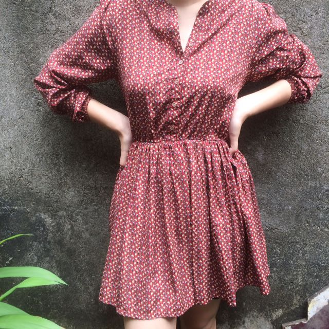 Dress flower marron