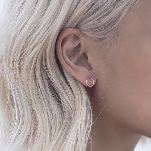 #現貨-Earring.極簡細緻扭紋圈圈耳環