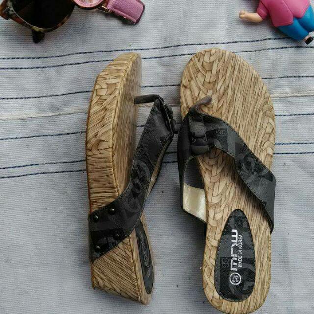 Flipflops With Heels