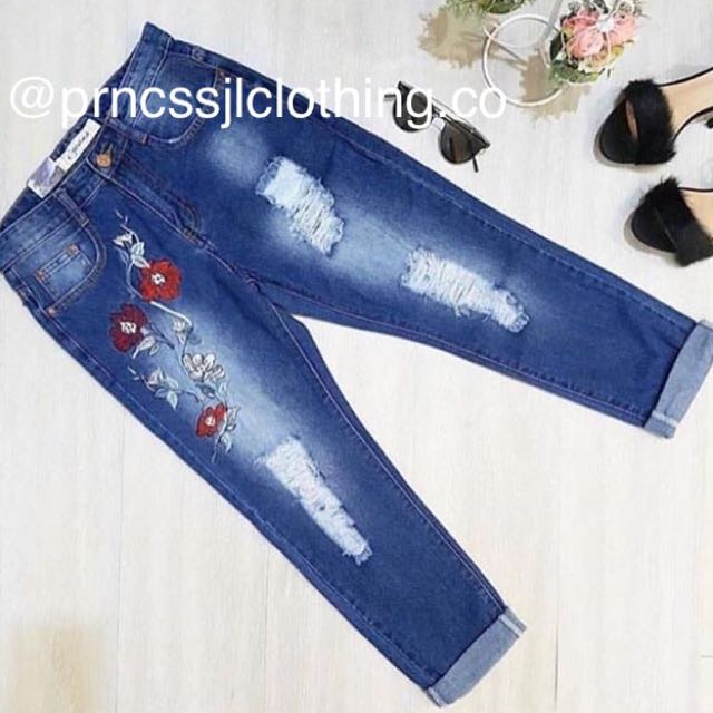 Hamlet Jeans Floral Embroidered Ripped Highwaisted BF Jeans