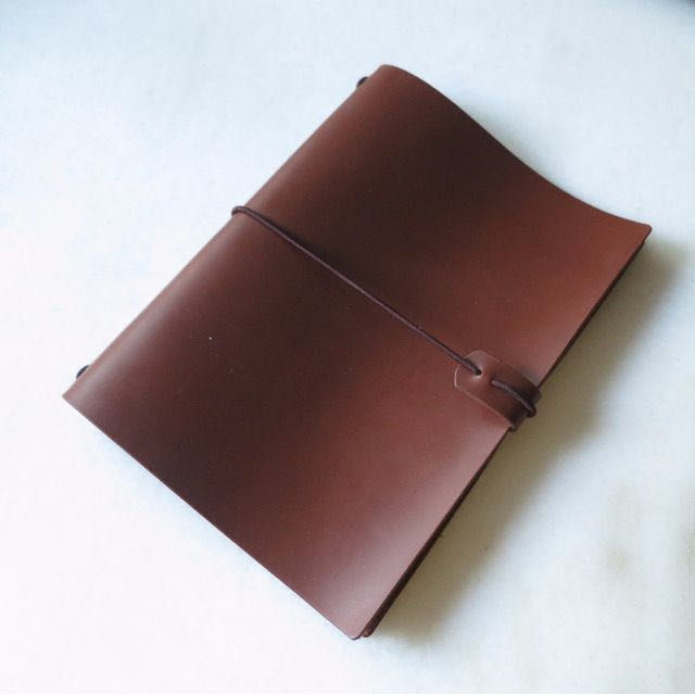《Handcrafted Leather Journal Cover   Midori Traveler's Notebook》