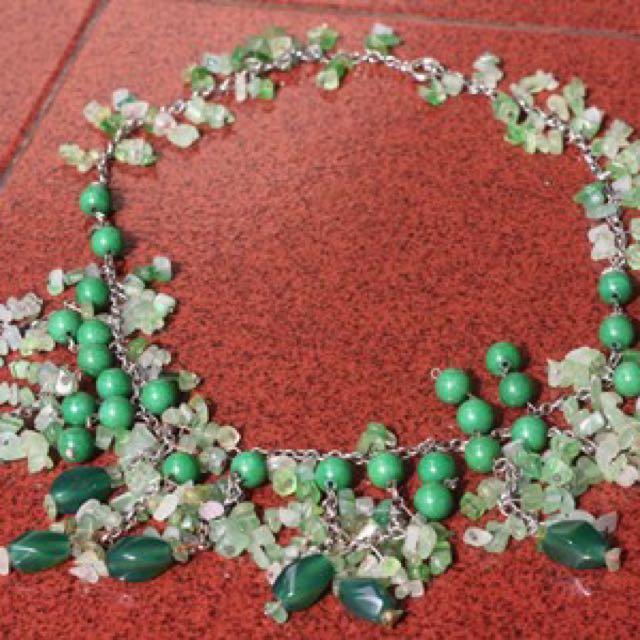 Kalung mutiara hijau