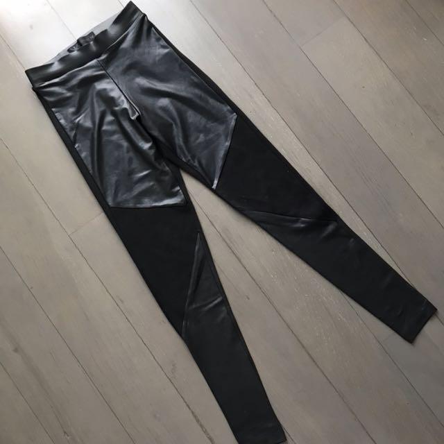 Kardashian Kollection Legging