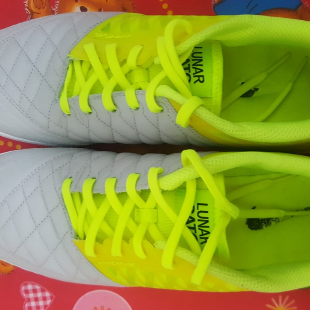 separation shoes a657a 26e87 Kasut Futsal Nike Lunar Gato II, Men s Fashion, Footwear on Carousell