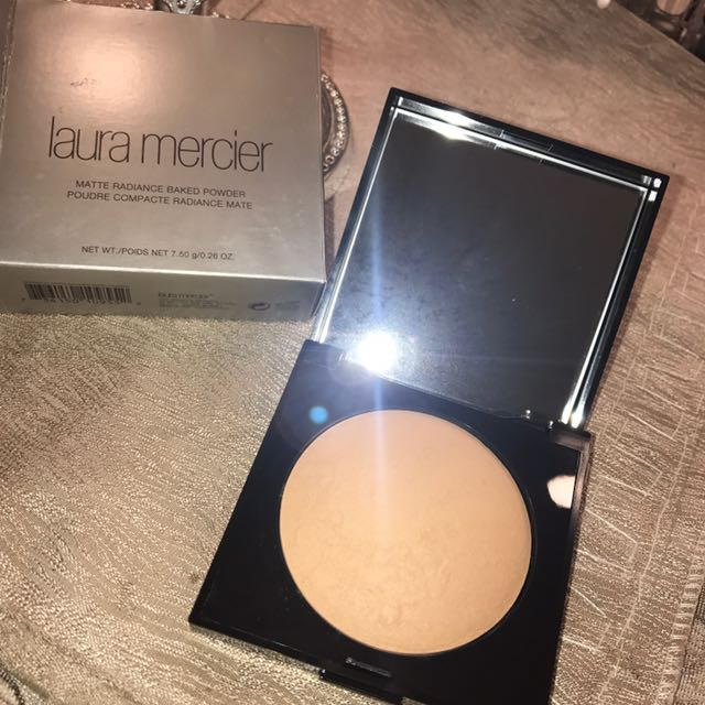 Laura Mercier Matte Powder