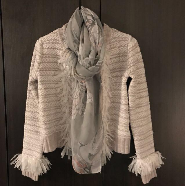 Light grey scarf