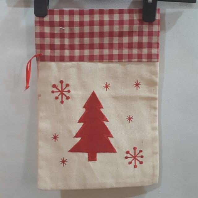 Linen Christmas Pouch (10 pcs left)