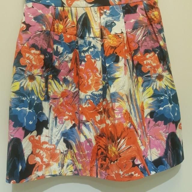 Marcs skirt size 6 brand new