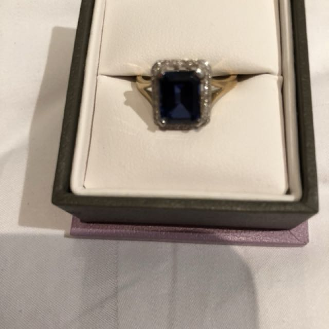 Michael hills blue sapphire ring size medium un wanted gift
