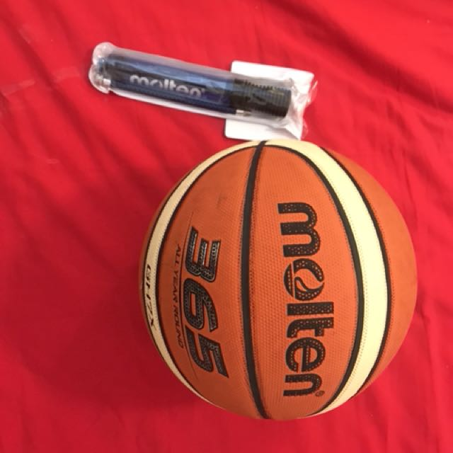 Molten Basketball with pump