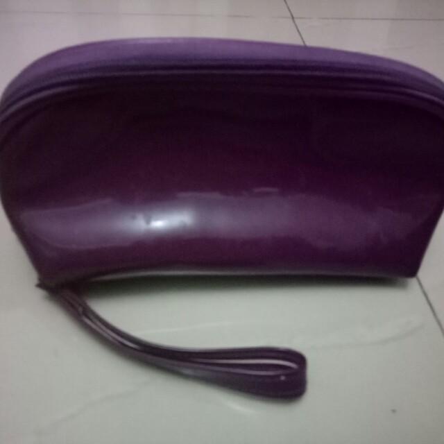 Preloved pouch