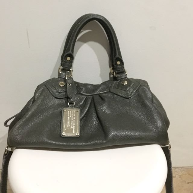 REPRICED!! authentic Marc by Marc Jacobs. in the need of some spaces in my closet! please