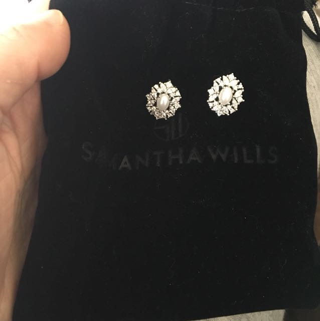 Samantha Wills Pearl and crystal earrings