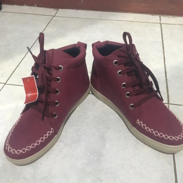 Sepatu Fladeo Maroon