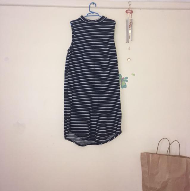 Sleeveless dresss