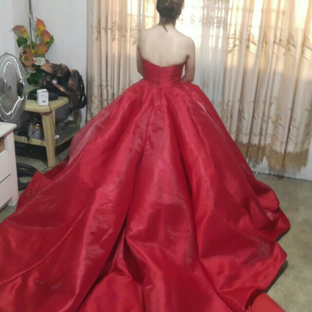 CJ1 - Stunning Red Ball Gown - FOR RENT, Preloved Women\'s Fashion ...