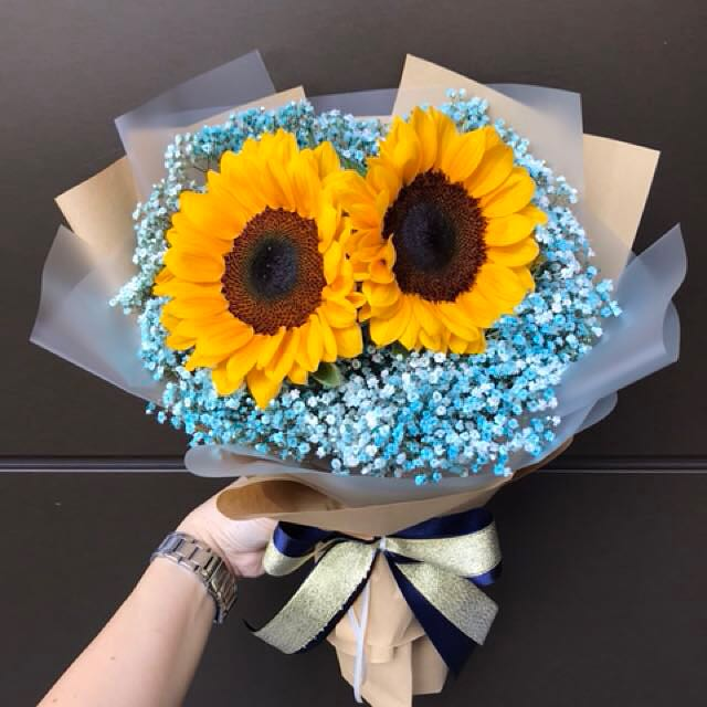 sunflowers and baby breath Hand Bouquet