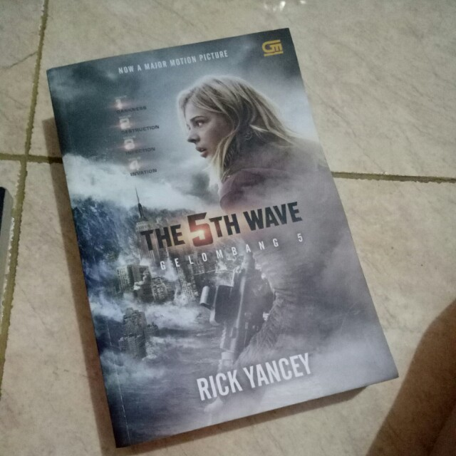 The 5th Wave Novel