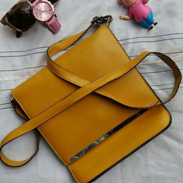 Unbranded Square Type Yellow Sling Bag