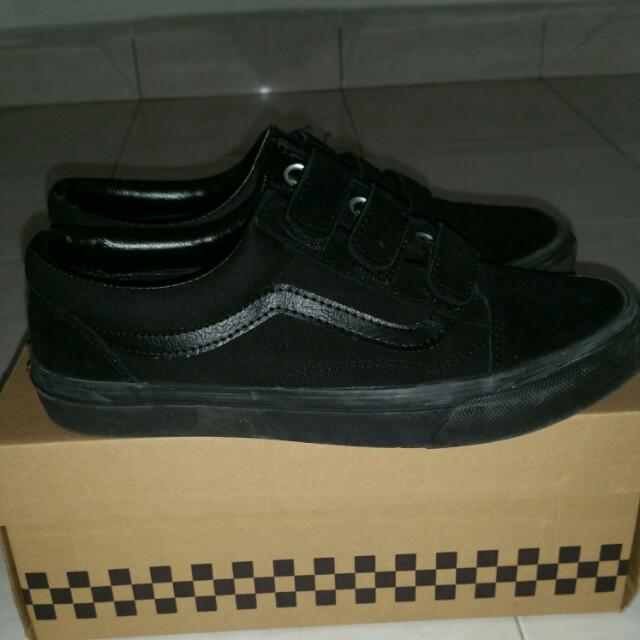 9830389e75 Home · Men s Fashion · Footwear · Sneakers. photo photo photo photo photo