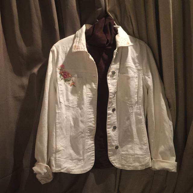 ⭕️White denim jacket
