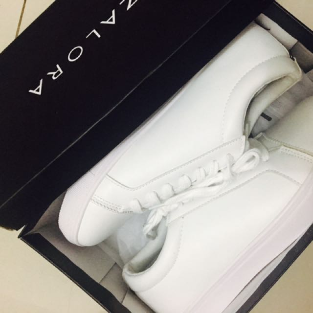 White sneakers -zalora