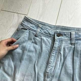 Gu淺色高腰牛仔褲