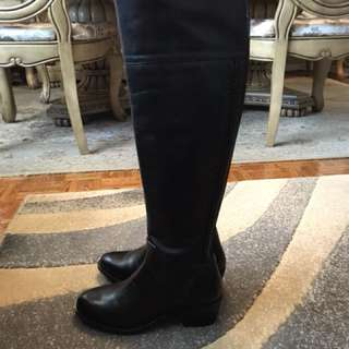 Brand new Vince camuto boots