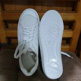 Something Borrowed white sneakers,size 37