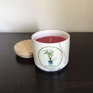 Frosted Berry Scented Stone Candle