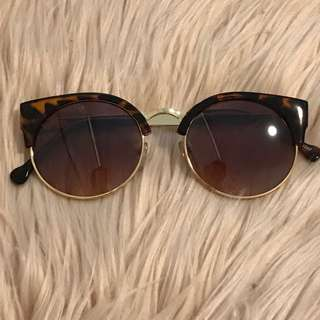 Brand New Tortoise Shell And Gold Round Wayfarer Style Sunglasses
