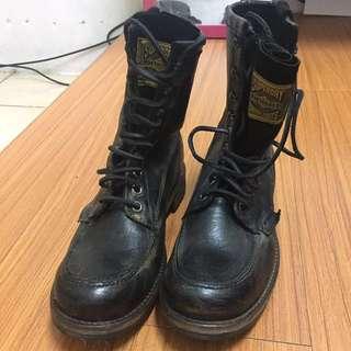 降價⬇️極度乾燥superdry 黑皮革仿舊軍靴馬丁靴 timberland UK8號