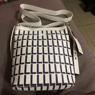 lacoste slingbag