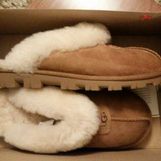 Ugg Slippers size 7 W Croquette